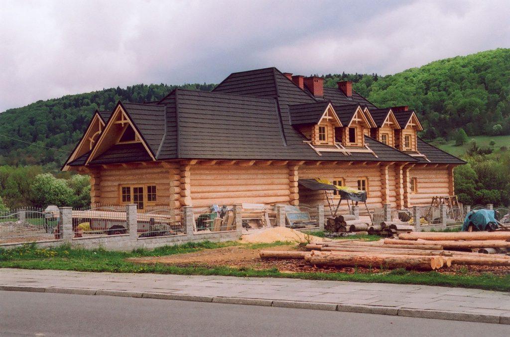 Jak wybrać miejsce na dom, czyli na co zwrócić uwagę przy zakupie działki?