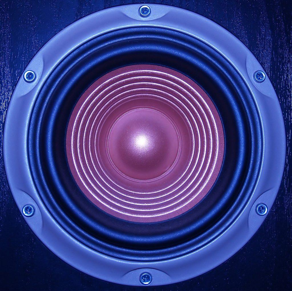 Z czego składa się amplituner?