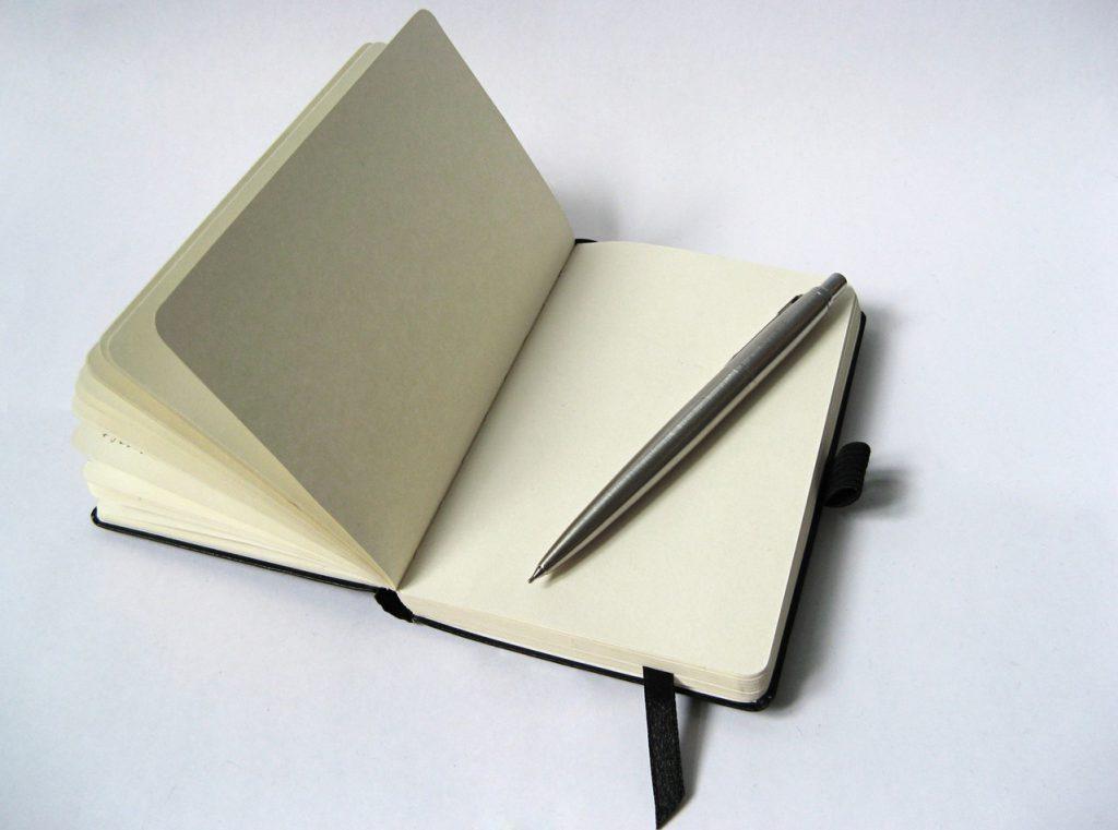 Kto uzupełnia dziennik budowlany?